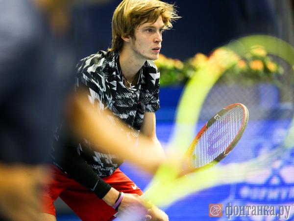В финале сыграют Соуза и Раонич. Итоги шестого дня St. Petersburg Open