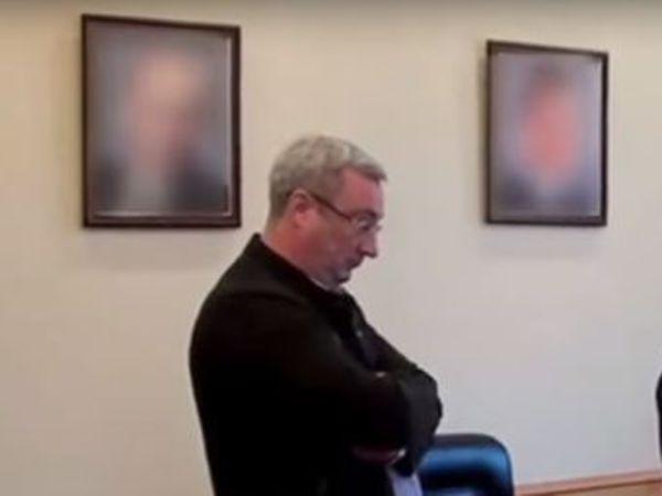 «Первый канал» в сюжете об арестованном главе Коми замазал портрет Путина