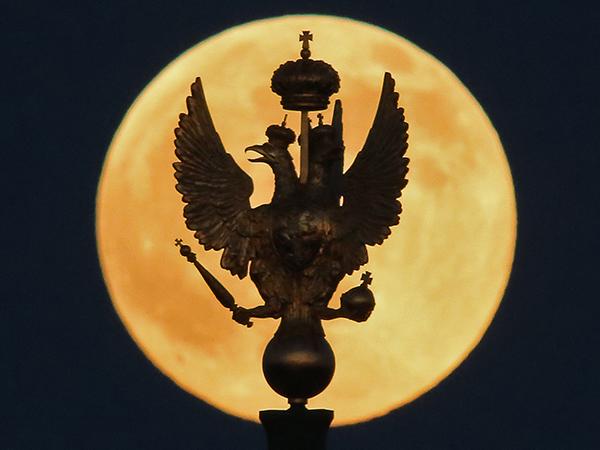 «Кровавое суперлуние»: как Земля заставила Луну краснеть