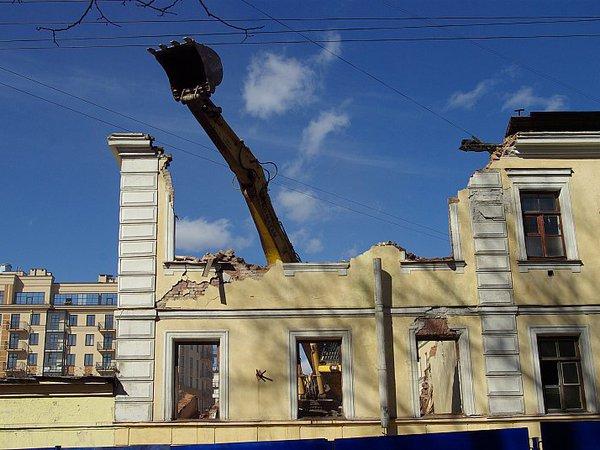 Призрак Аракчеевских казарм отпугивает застройщиков