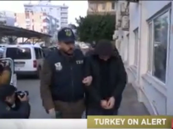 Три россиянина задержаны в Анталье в ходе операции против ИГ