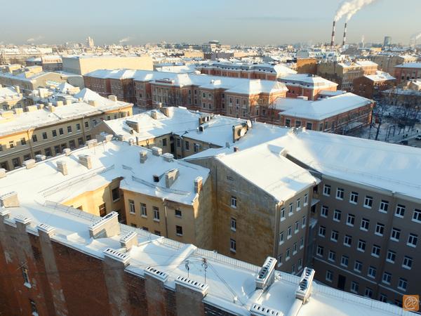 В Петербурге - 6690 потенциально опасных крыш