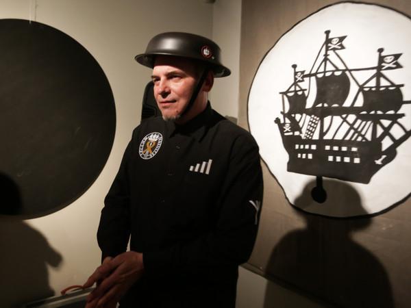 Николай Копейкин: Мы - клоуны со свиными пятачками