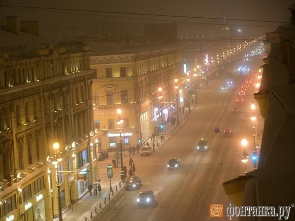 Дымка в Петербурге густеет