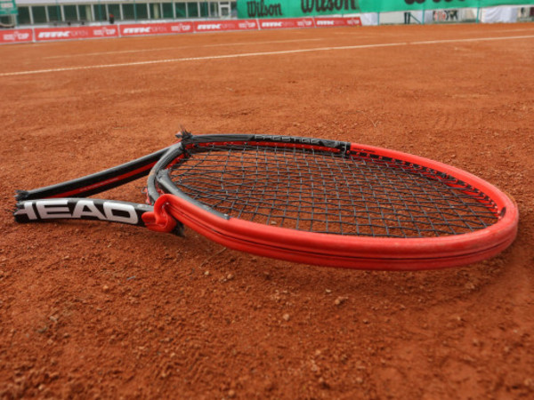 Грязный теннис