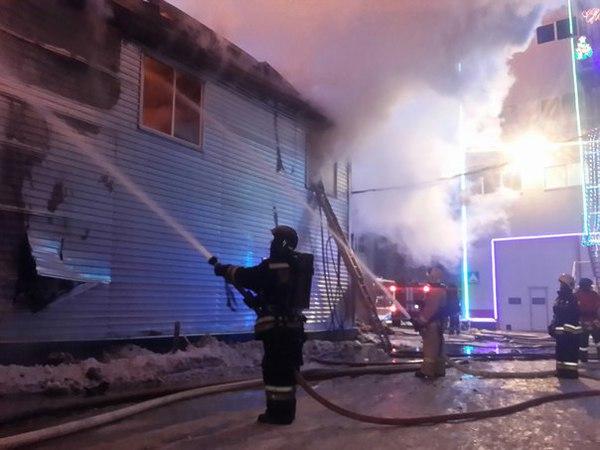 МЧС: Площадь пожара на Менделеевской увеличилась