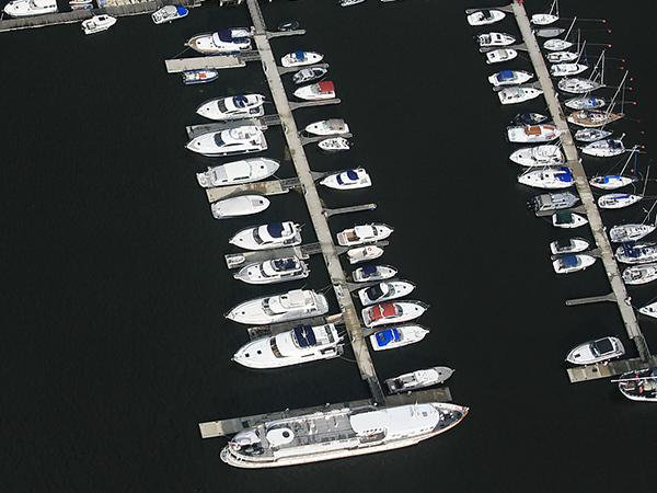 «Газпрому» нужен стратегический яхт-клуб в Петербурге