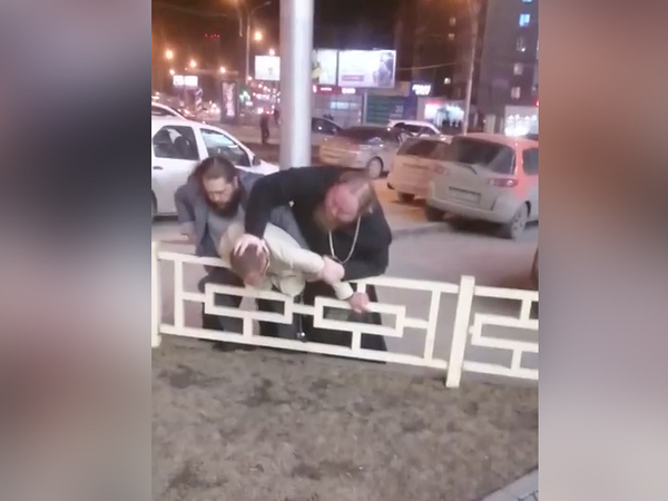 Низложенный патриархом Кириллом игумен Феодосий избил водителя в ходе дорожной разборки