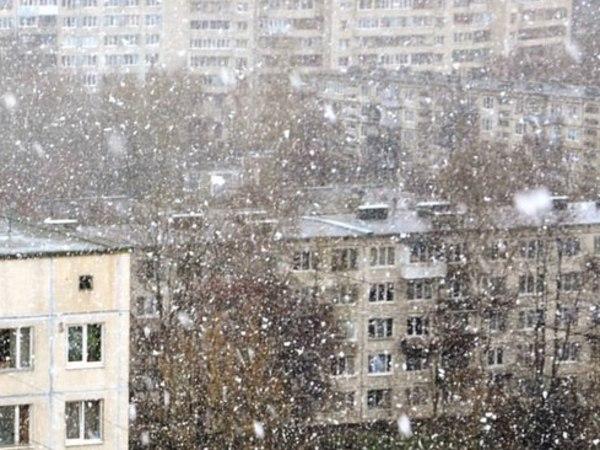 Апрельский снег пришел, как обещали