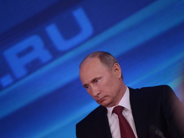 Как общался, шутил и улыбался во время прямой линии с народом президент России Владимир Путин