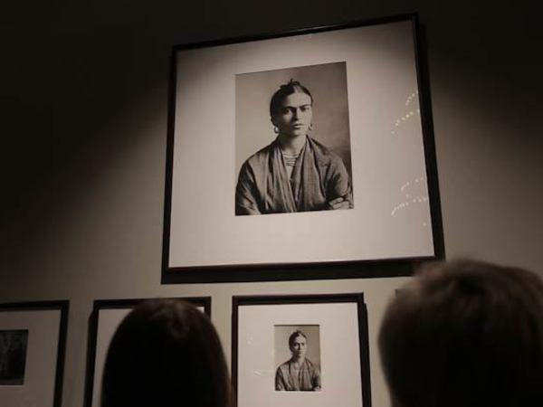В Музее Фаберже случилось нашествие Фрид Кало