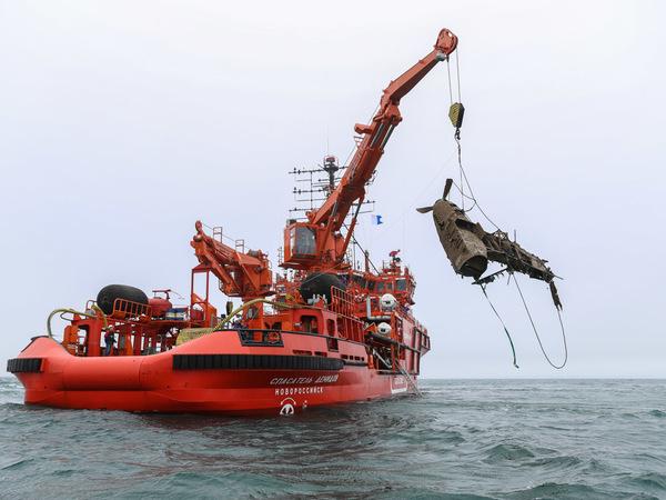 Со дна Черного моря подняли два из трех погибших штурмовиков