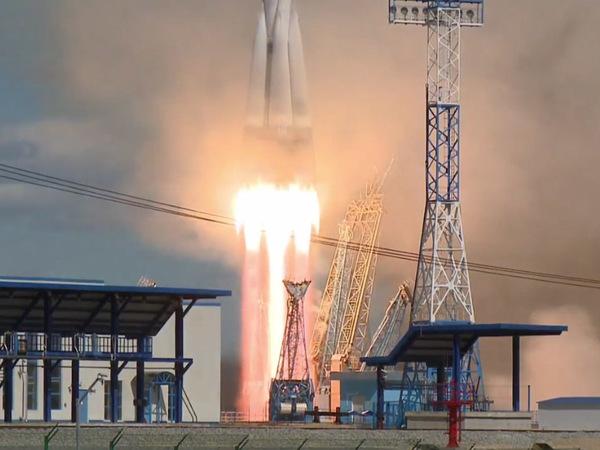 С Восточного запущена первая ракета