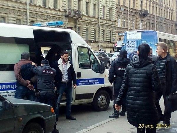 В кафе на Васильевском дрались и стреляли