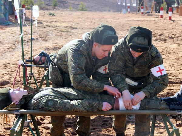Курсанты  пяти военных академий Петербурга воевали под Лугой