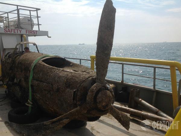 Петербургские водолазы нашли в Керченском проливе три штурмовика