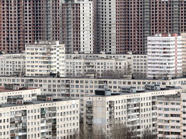 Кризис вернул застройщиков в Петербург