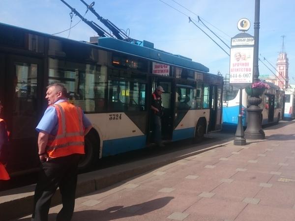 На Невском не ходят троллейбусы