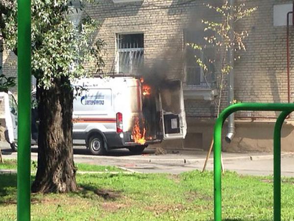 На Гастелло загорелась машина городской газовой службы