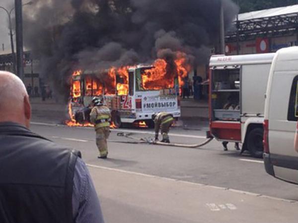 В Петербурге снова сгорела маршрутка