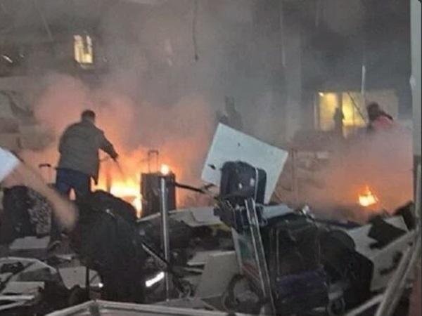 При взрыве в аэропорту Стамбула погибли 10 человек