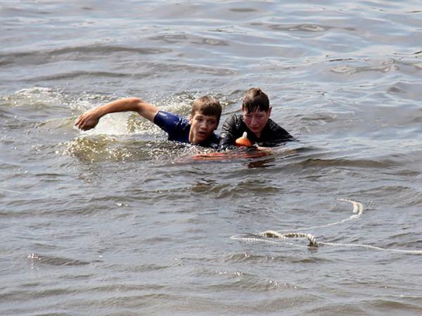 С прогулочного катера в реку Фонтанку выпала пассажирка