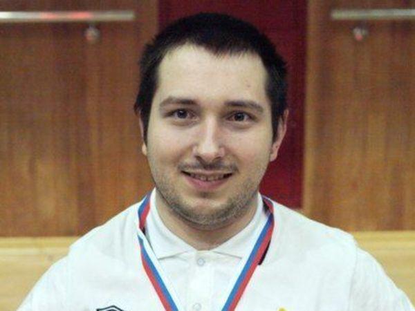 Денис Ларионов: «Хотел бы всем помочь»