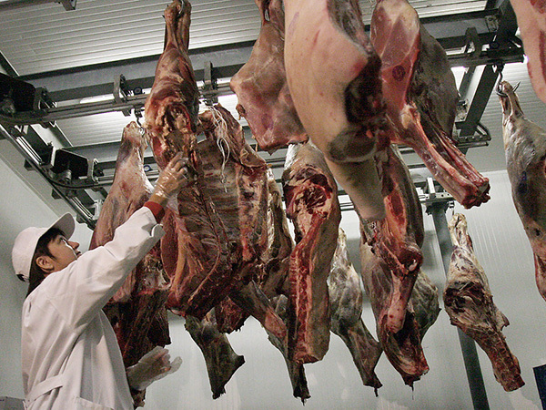 А взвесьте-ка мне деликатесной говядины