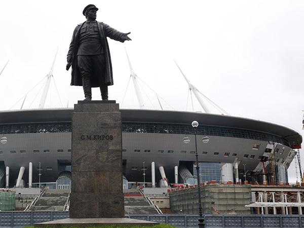 Школы, садики и больницы - на алтаре стадиона