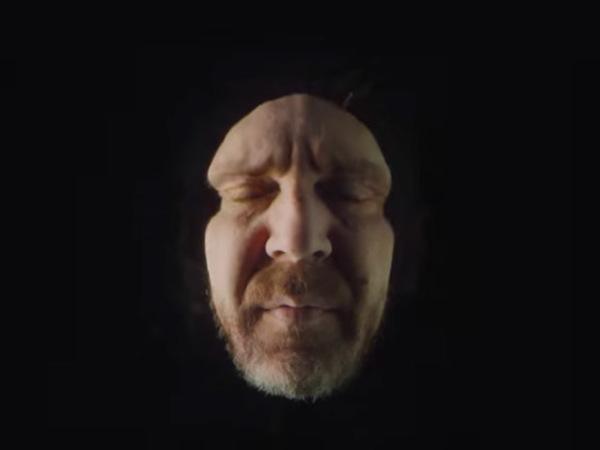 Сергей Шнуров снялся в ролике про «Черный квадрат»
