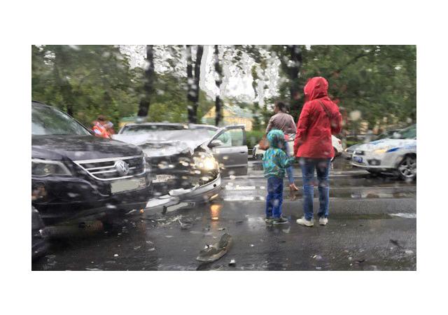 «Мокрое» ДТП парализовало Каменноостровский проспект