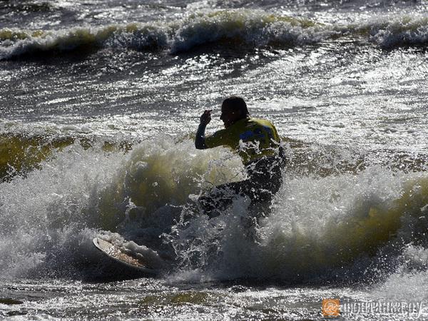 Петербургские серферы выбирают сильнейших