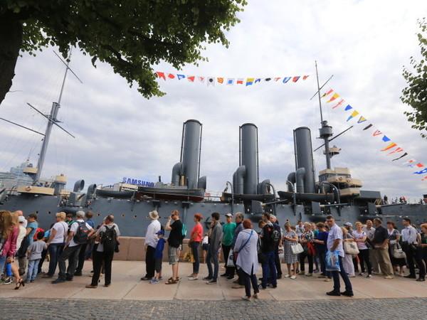 Музей крейсера «Аврора» открылся для посетителей