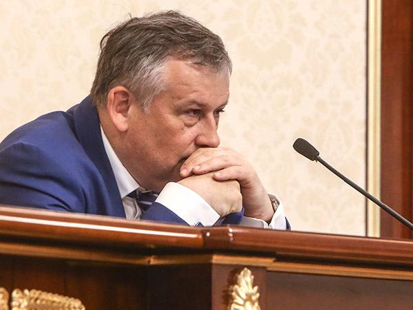 Время Дрозденко менять элиты