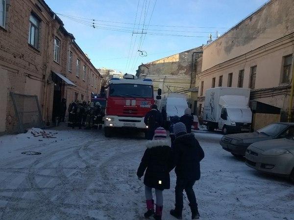Детей эвакуировали с елки на «Ленфильме»
