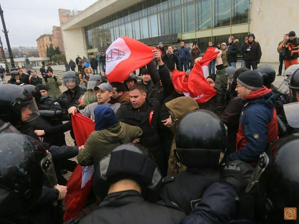 Другороссам не дали устроить шествие в честь революции по Невскому проспекту
