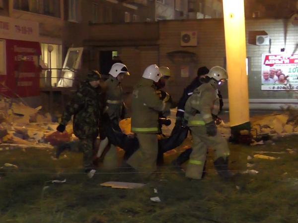 СМИ: Из-под обломков дома в Ижевске извлечены два человека