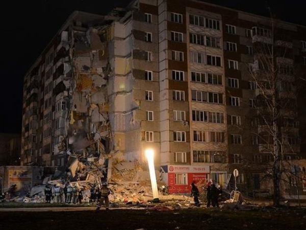 СМИ: Под завалами дома в Ижевске погибли трое, в том числе ребенок