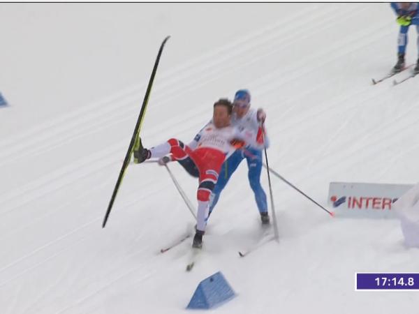 Падение финна и норвежца принесло России золото на ЧМ по лыжным гонкам