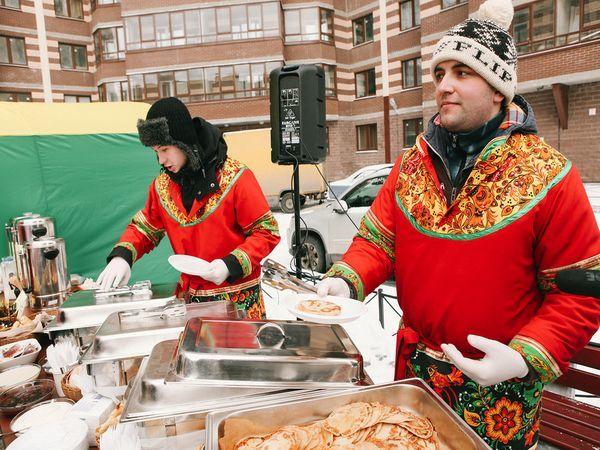Во время Масленицы в жилых комплексах ЦДС съели 50 кг блинов