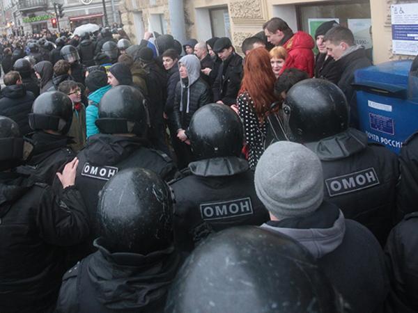 На Восстания завершились задержания сторонников Навального