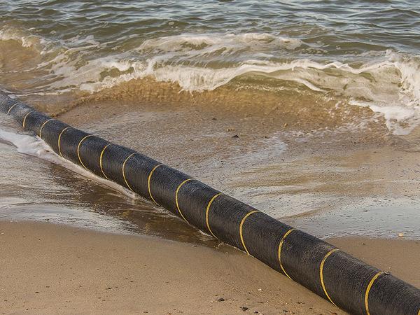 Подводный кабель протянули по воздуху