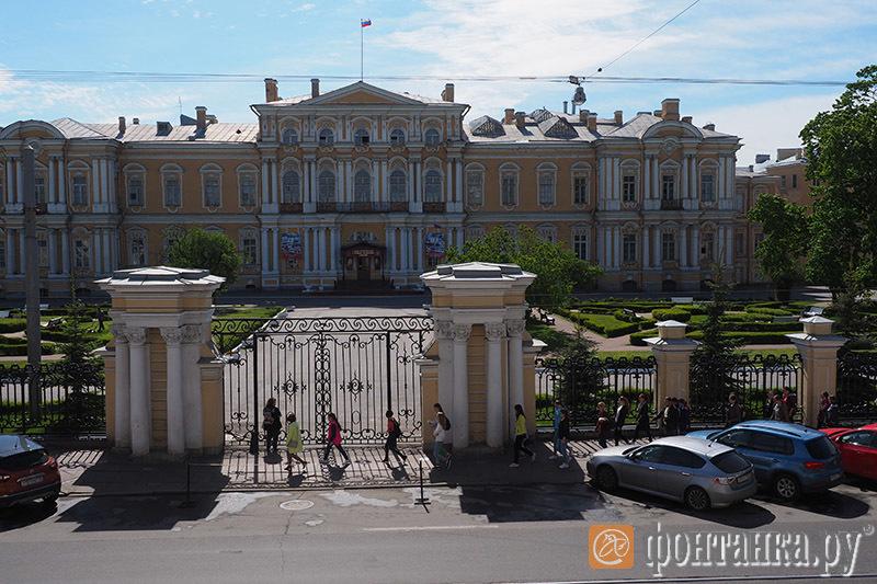 Садовая, 26, Суворовское училище (Воронцовский дворец)