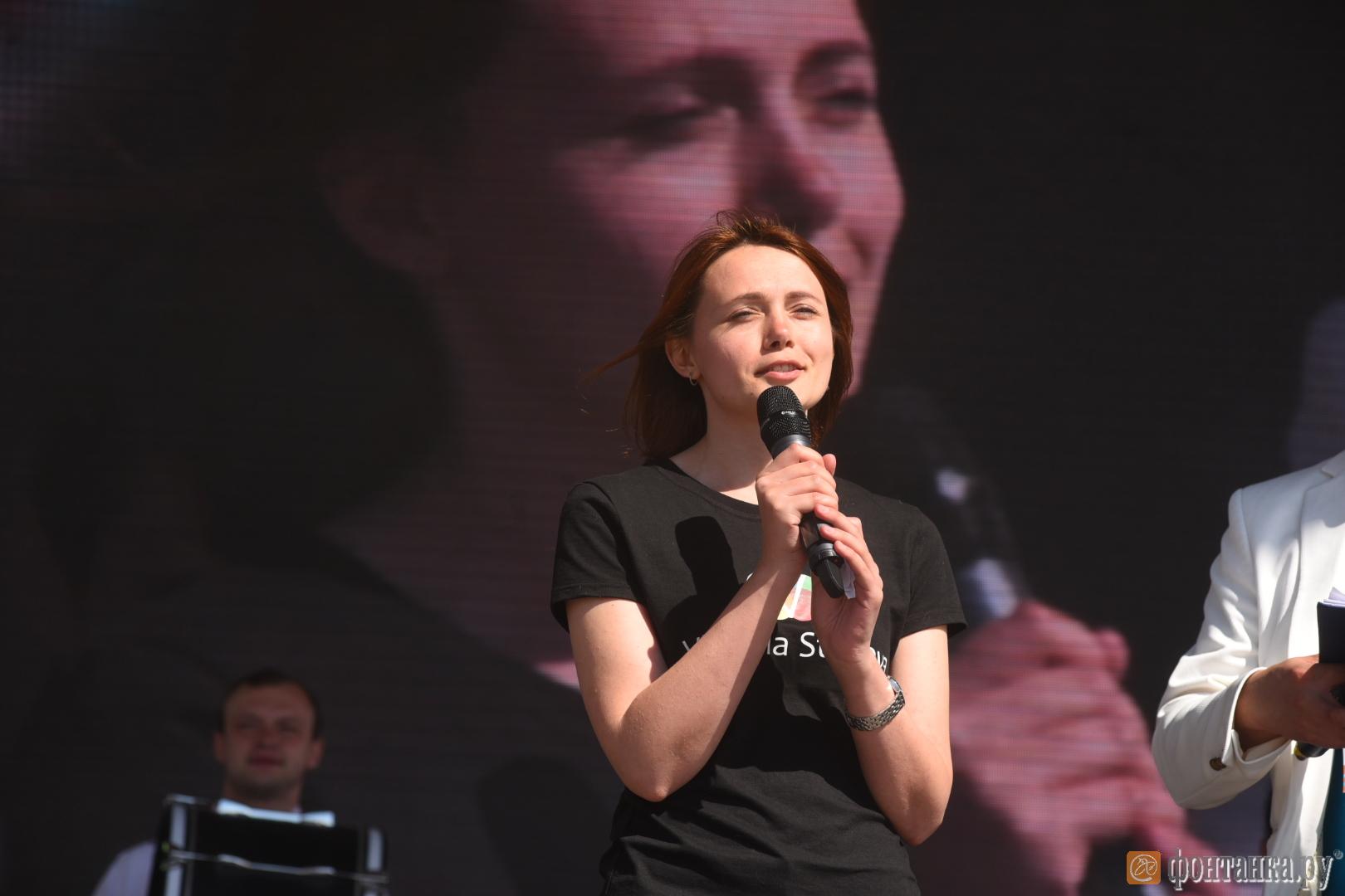 "Юлия Чеботарева, представитель компании ""Виктория Стенова"""