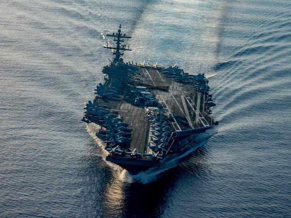 К парадным кораблям ВМФ приблизились «томагавки»