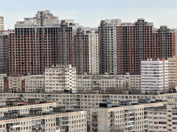 Кто видит «уплотниловку» в Петербурге