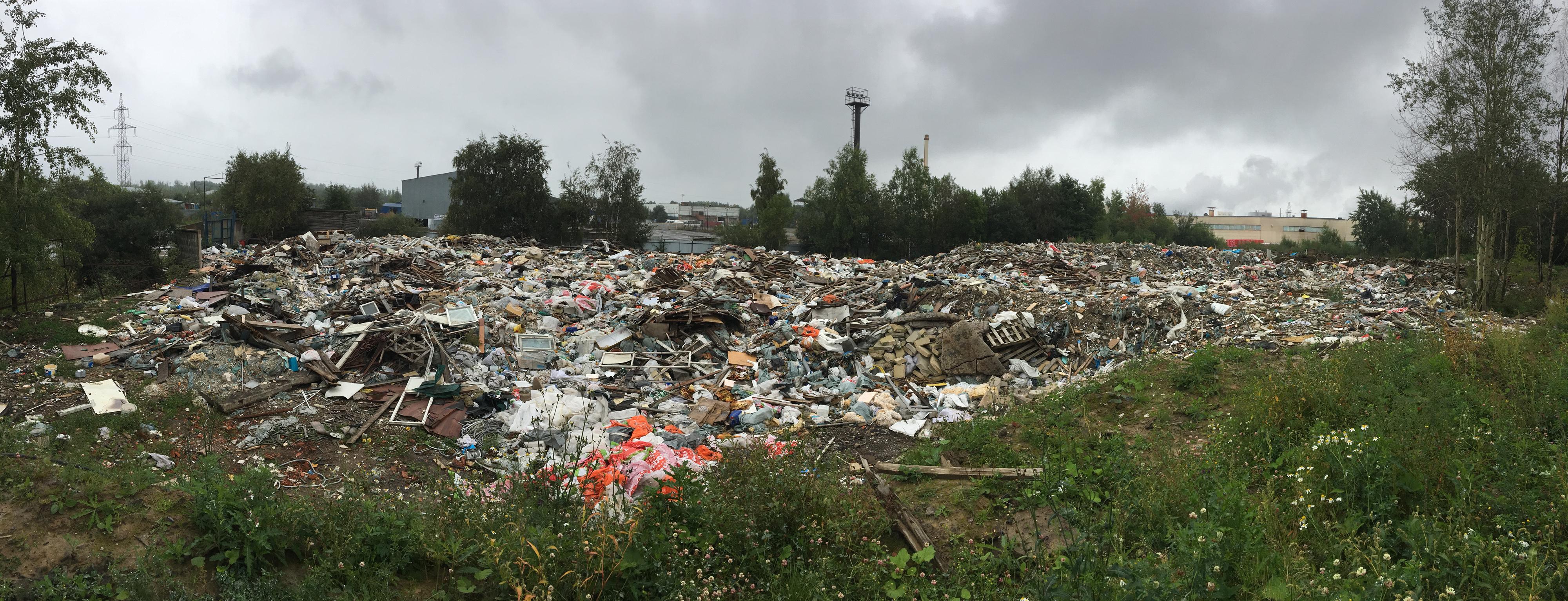 Подступы к строящемуся кварталу под Колпино завалили опасным мусором (Иллюстрация 1 из 1) (Фото: МОО