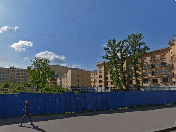Верховный суд выкосил «зелень» с Сытнинской. Но соорудить отель на «кладбище первых строителей» мешает Генплан