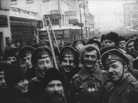 Жизнерадостная пропаганда. Киновед Изволов рассказал о том, почему «Годовщину революции» Вертова не скоро увидят в России