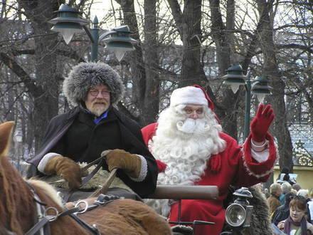 Выходные в Финляндии 24 - 25 ноября: Санта-Клаус на вертолёте и старт рождественского сезона
